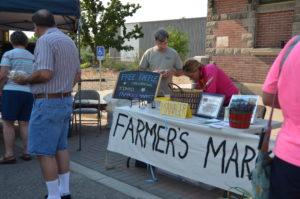 Farmers-Market-081013-13